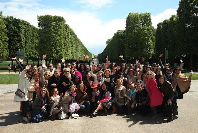 Group waving